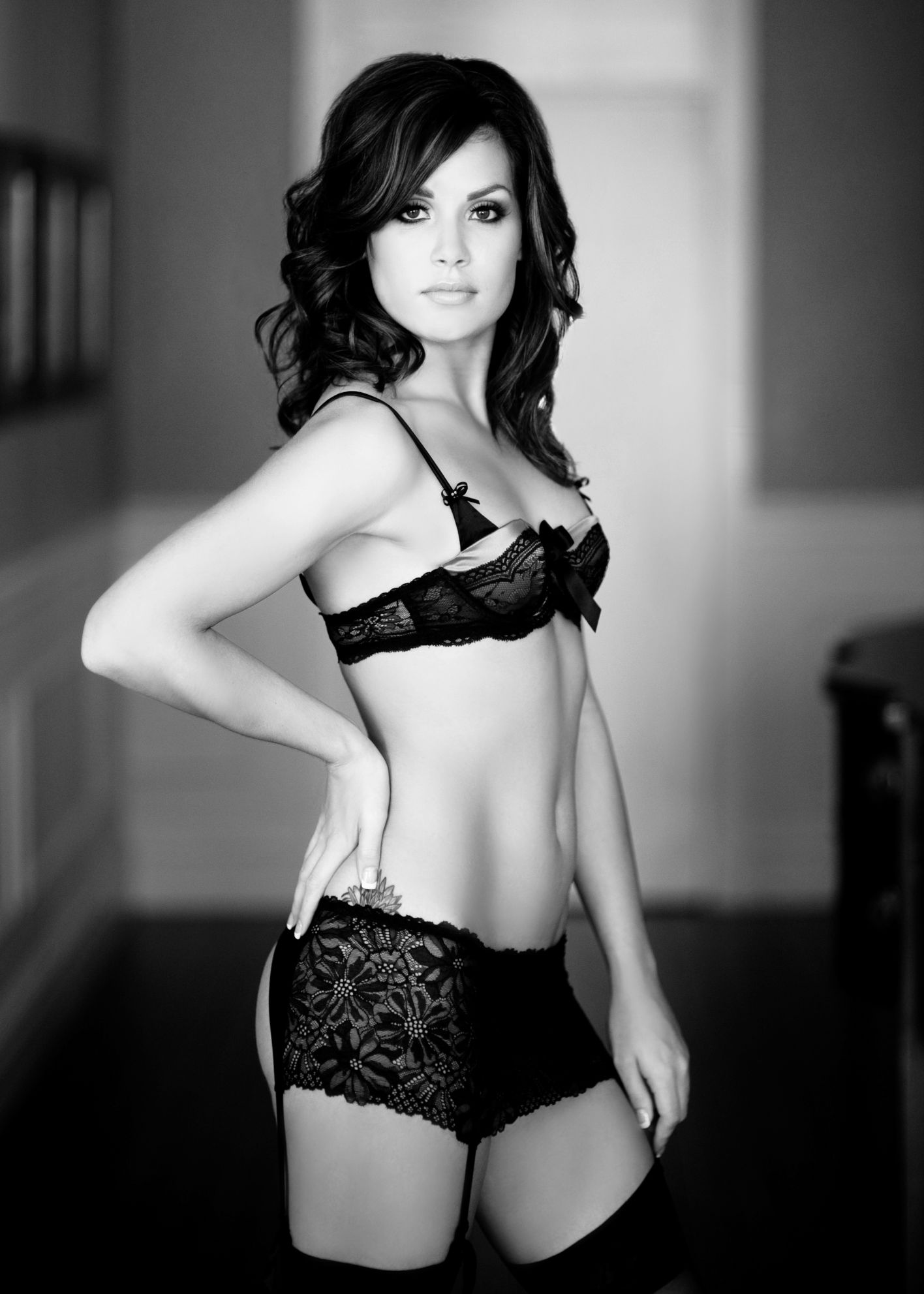 Boudoir Vancouver Black and white photographyVancouver Hotel sexy lingerie agent provocateur