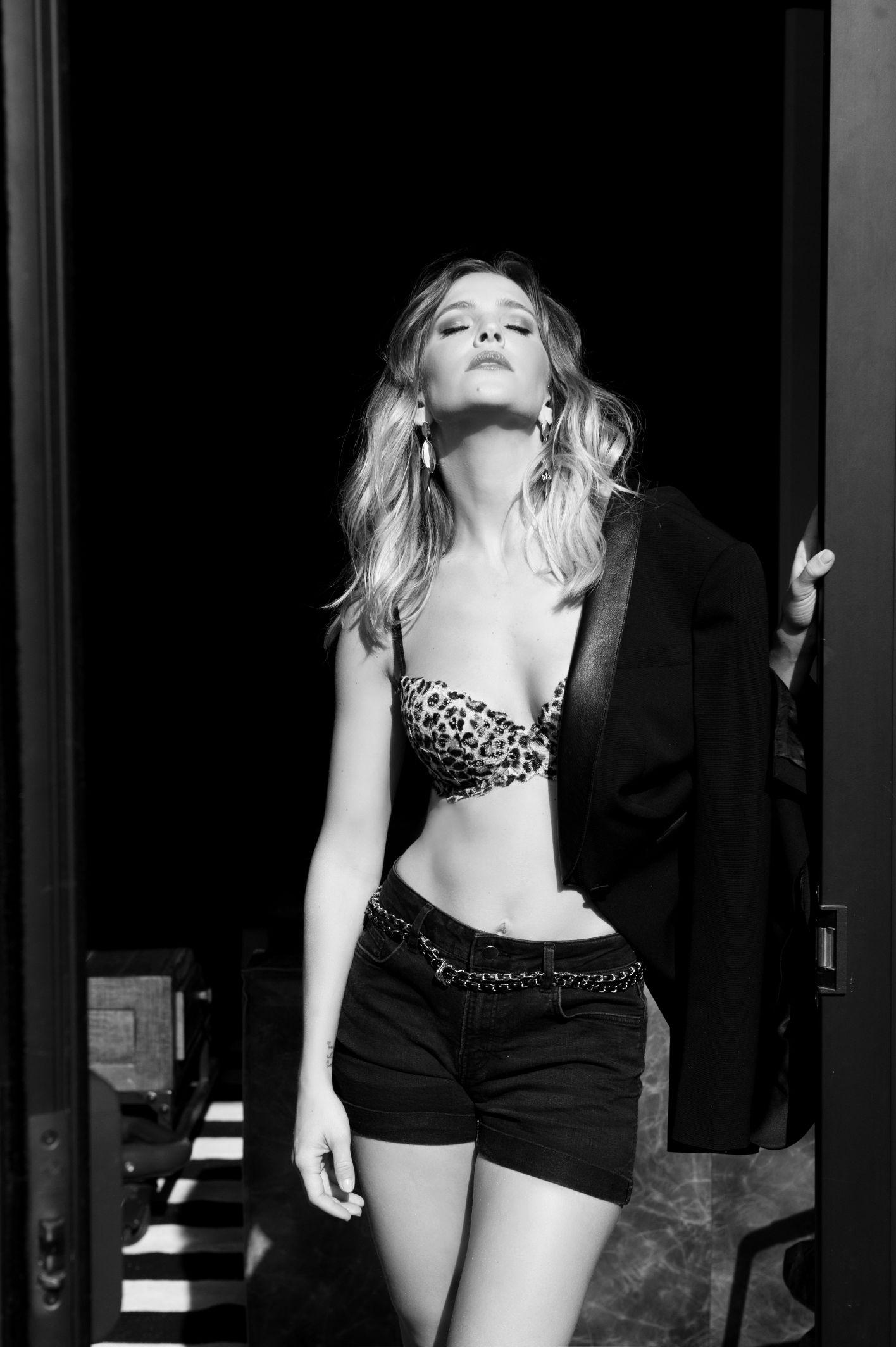 famous actress Luisana Lopilato black and white photograhy boudoir vancouver